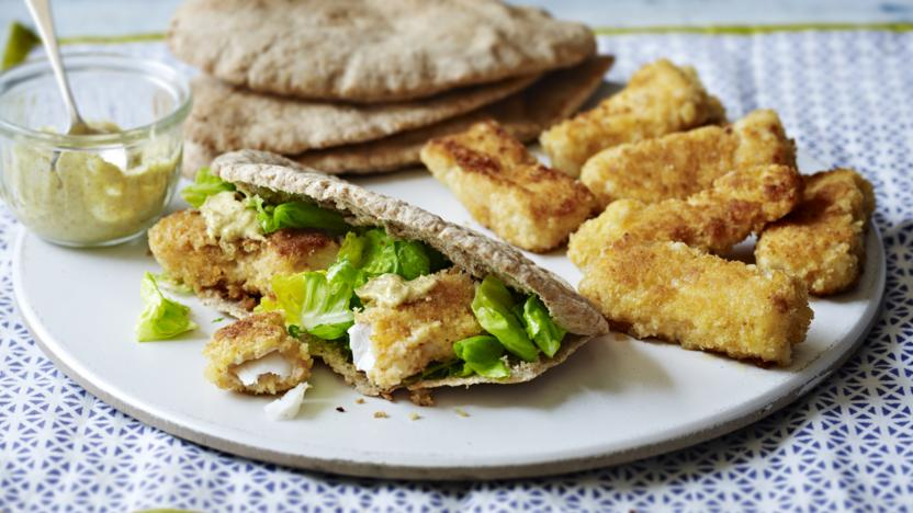 Fish fingers with pitta bread