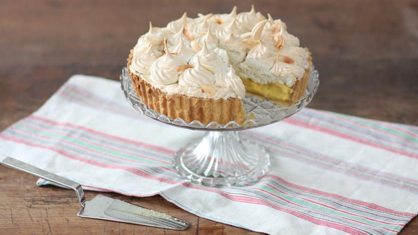Lime and coconut meringue pie