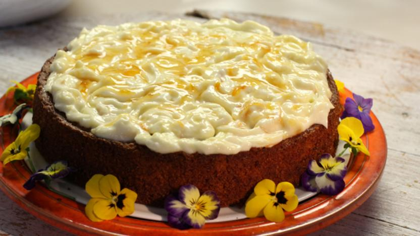 Marmalade and almond cake