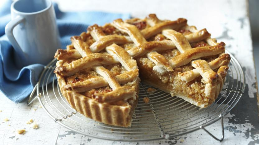 Mary Berry S Treacle Tart With Woven Lattice Top Recipe Bbc Food