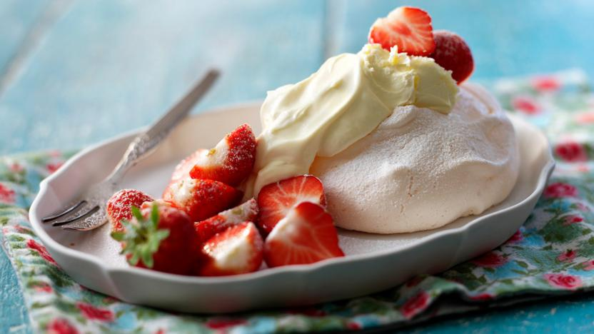 Strawberries And Cream Meringues Recipe Bbc Food