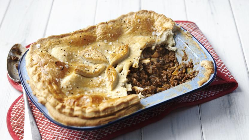 Minced beef pie & Minced beef pie recipe - BBC Food