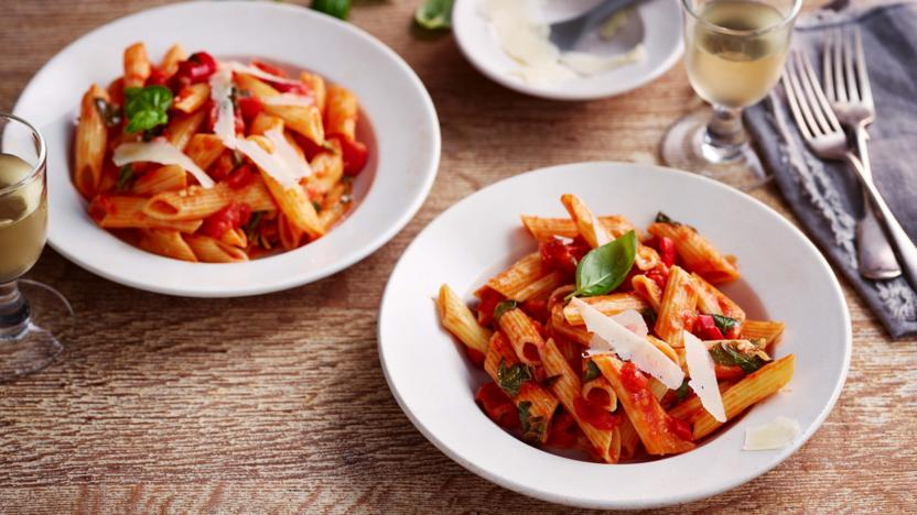 Penne al'arrabiata (pasta with a spicy tomato sauce) recipe