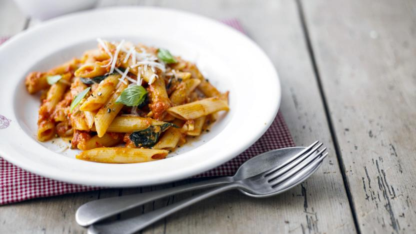 penne with spicy tomato and mozzarella sauce recipe