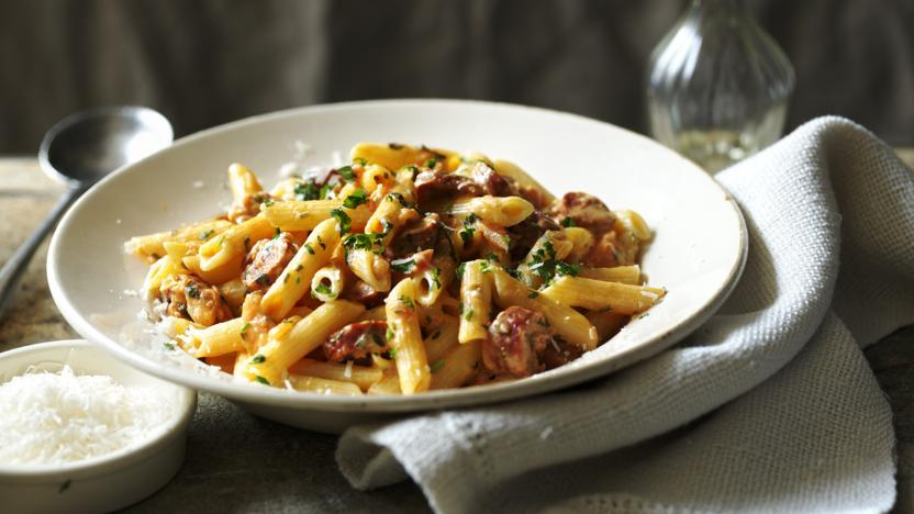 Penne with tomatoes, chorizo and cream