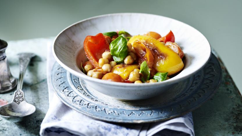Peppers with chickpeas and harissa