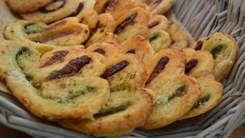Pesto and sun-dried tomato palmiers