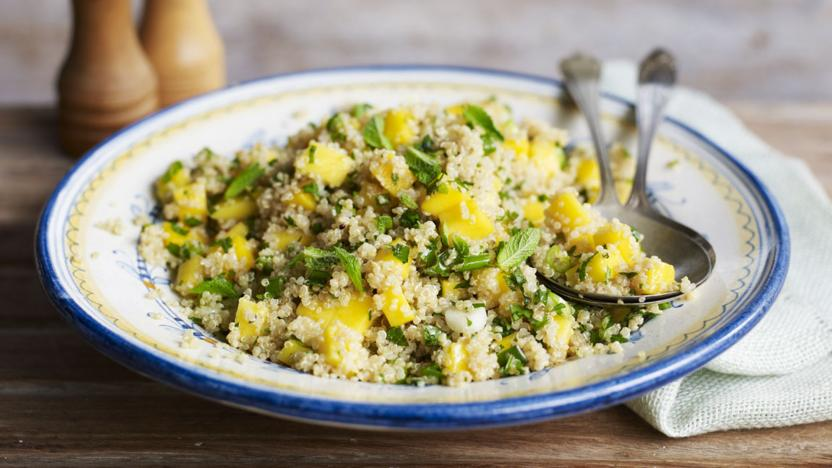 Quinoa salad with mint and mango