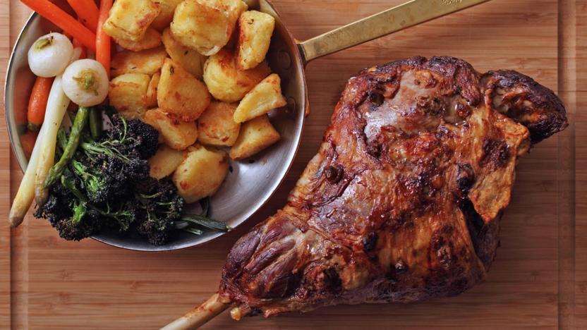 Roast leg of lamb with mint jus