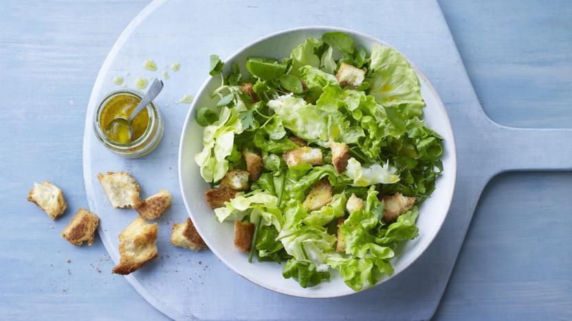 Salad verte with croûtons
