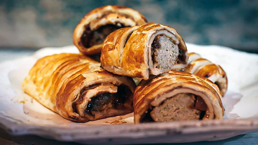 Sausage rolls with pickle