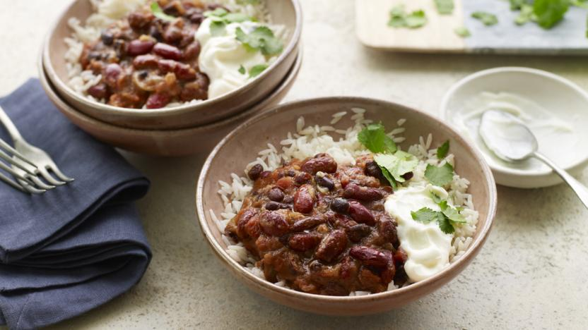 Slow cooker bean chilli