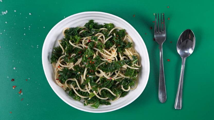 Spaghetti with kale, anchovies and chilli