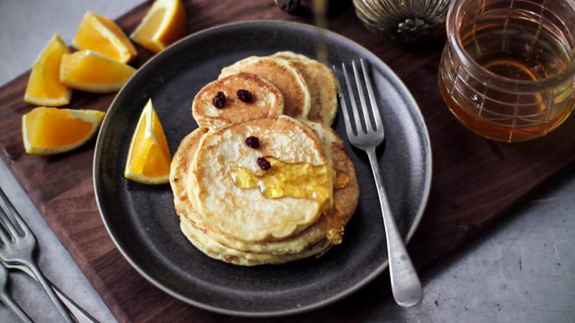 Snowman pancakes with orange and spice