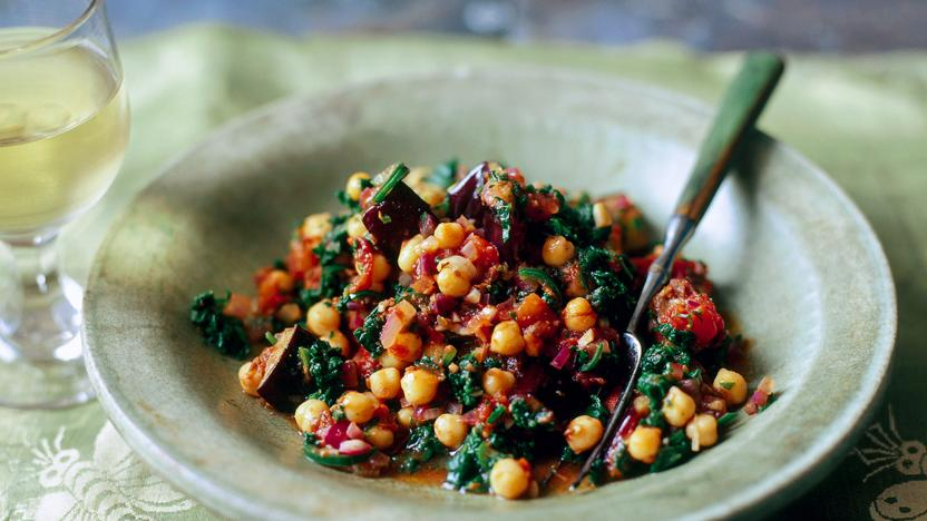 Spinach, aubergine and chickpea curry