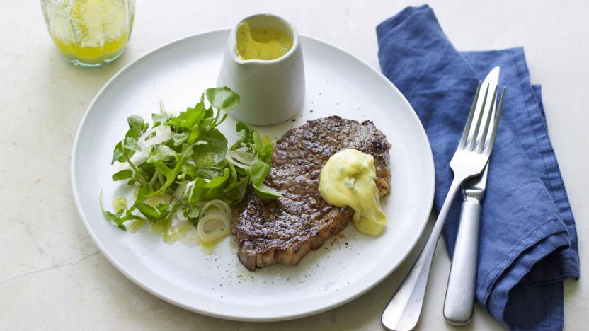 Steak with béarnaise sauce and watercress, rocket and shallot salad