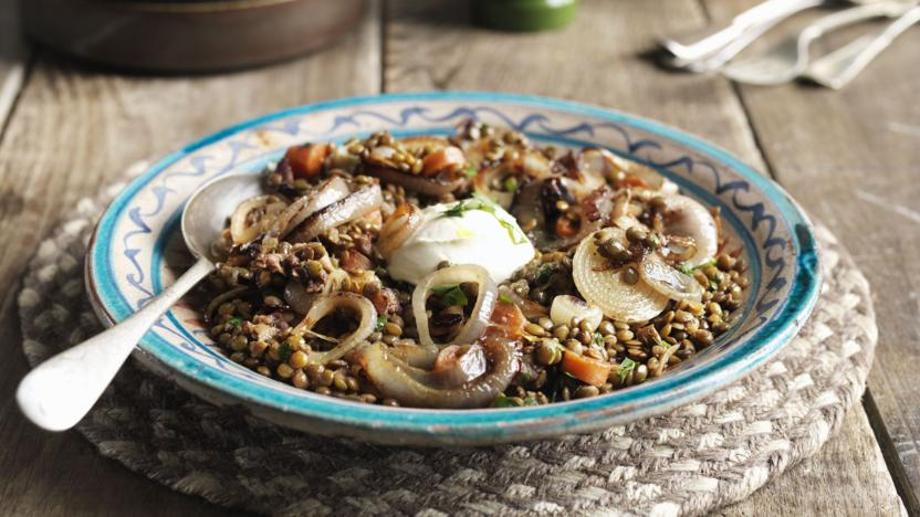 Lentil stew with sweet onions