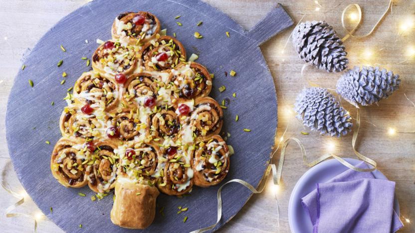 Tear and share Christmas Chelsea buns