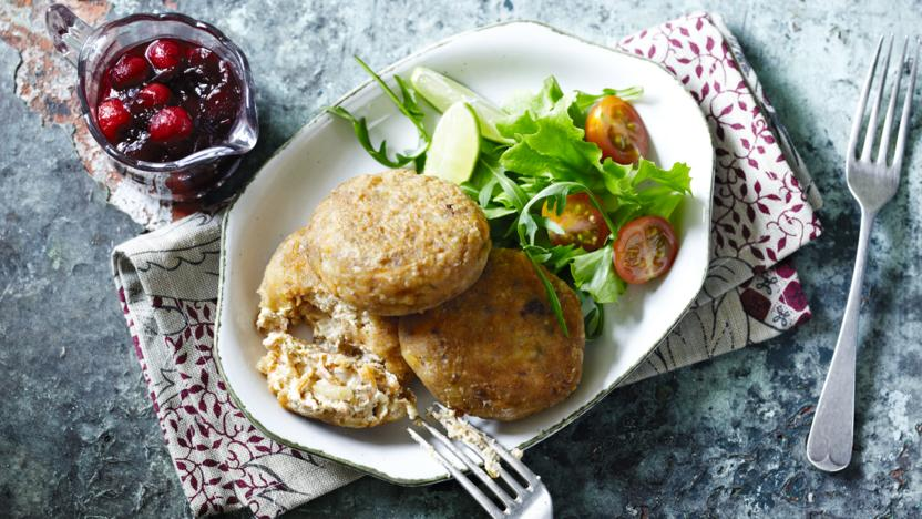 Tofu croquettes with cranberry sauce