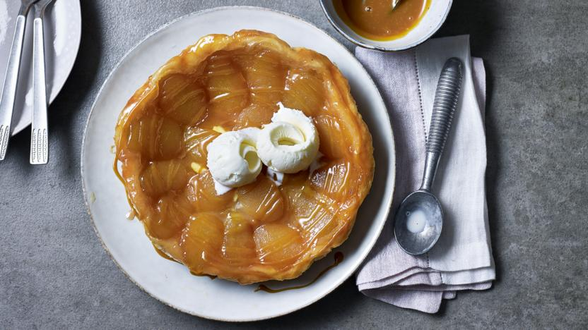 Upside-down apple pie with butterscotch sauce
