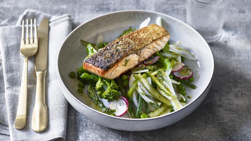 Warm crispy salmon salad