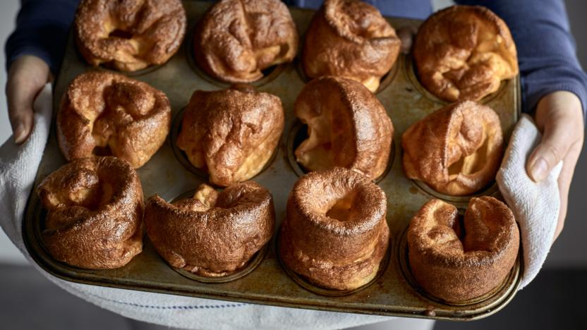 How to make homemade yorkshire puddings self raising flour