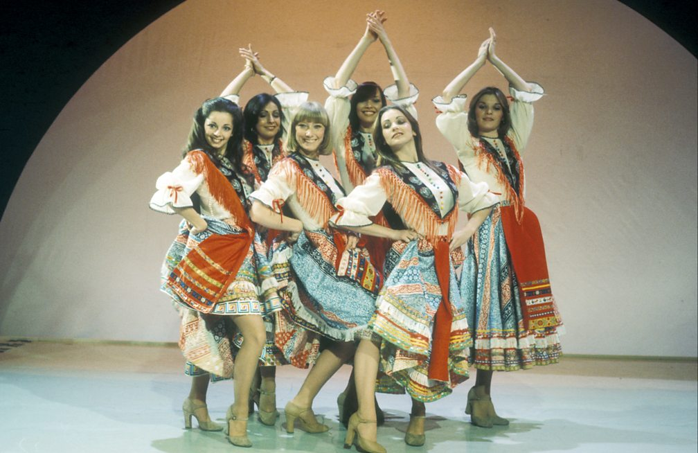 Lesley Judd (centre left) dancing with the Pan's People on Blue Peter, 1976.