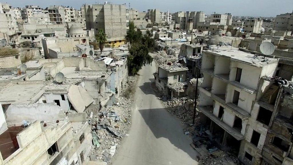 シリア内戦 がれきの町アレッポで暮らし続ける - BBCニュース