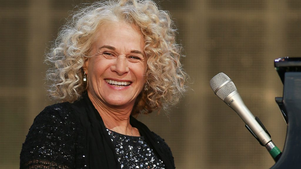 Carole King makes UK stage return