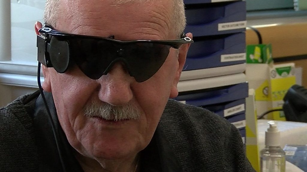 Ten people to get NHS bionic eyes