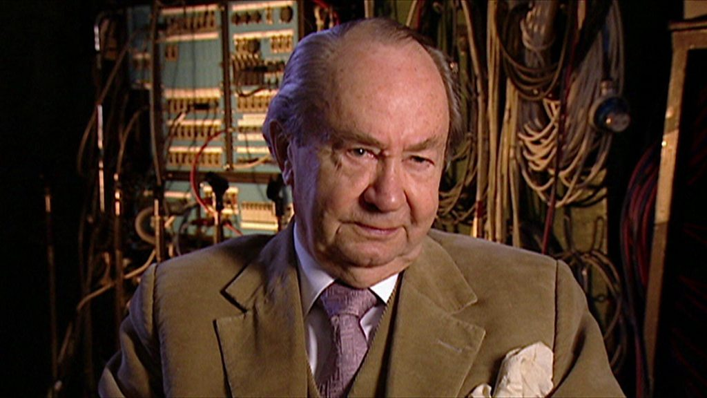 Peter Sallis: Wallace and Gromit actor dies aged 96 - BBC News
