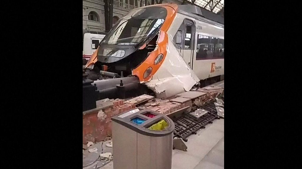 Commuter train which slammed into the end of the platform during the morning rush hour at Francia station in the Spanish city of Barcelona on 28 July 2017- image obtained from Ungatodecheshire Instagram account