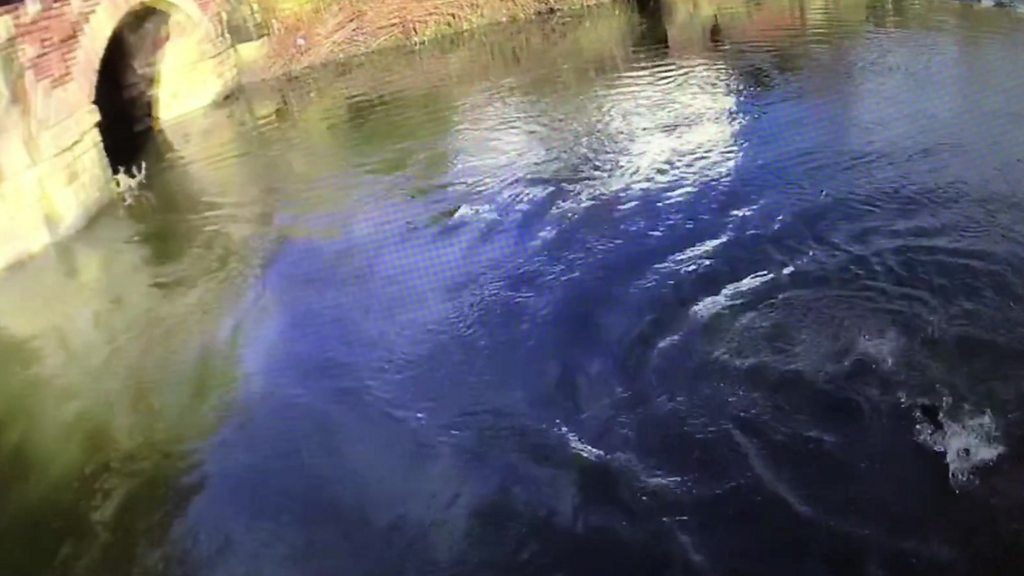 Bury PC who dived in River Irwell to save man 'can't swim'