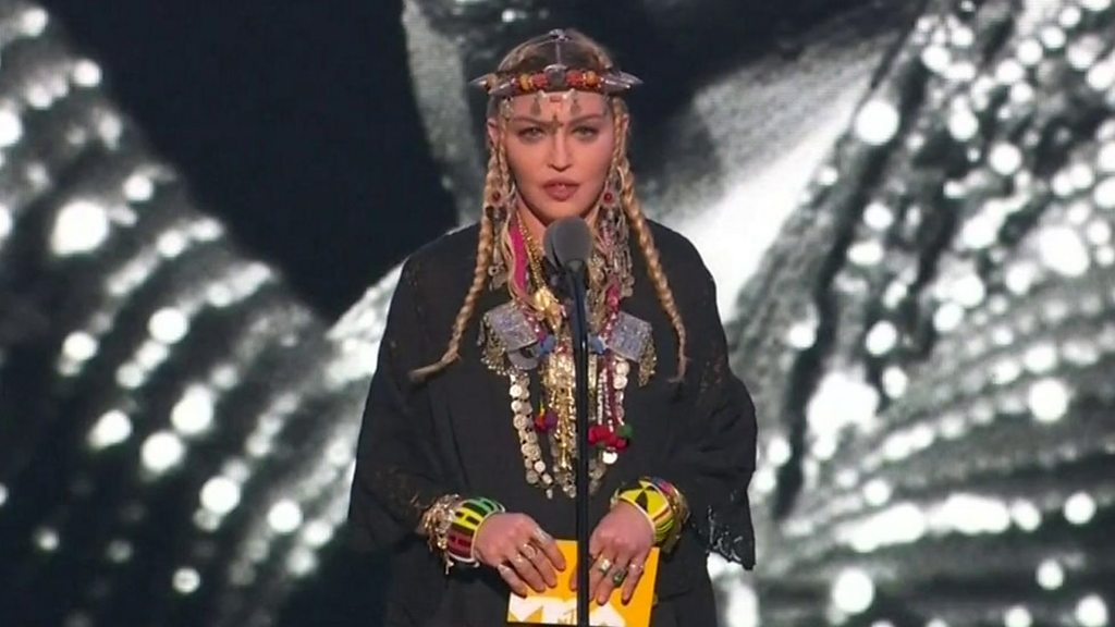 Madonna hits back over Aretha tribute thumbnail