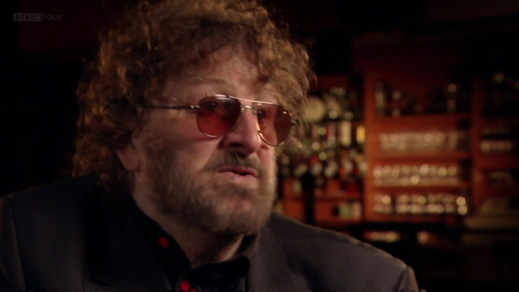 Chas from Chas and Dave dies