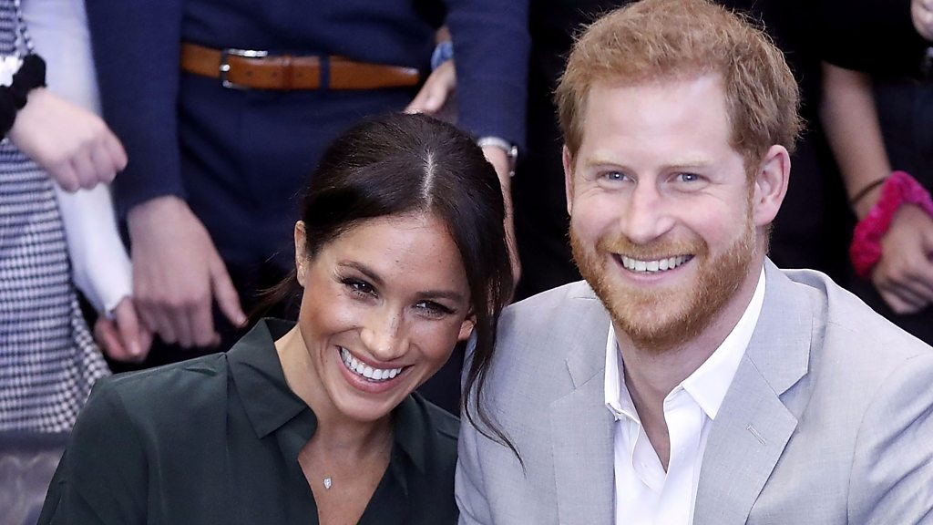Meghan and Harry expecting baby