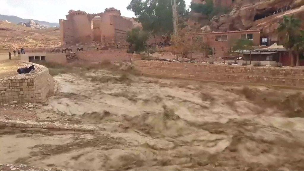 Jordan hit by deadly flash floods