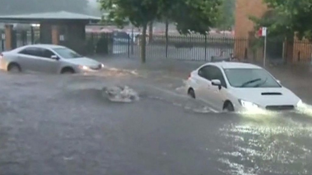 Flash-flooding causes chaos in Sydney