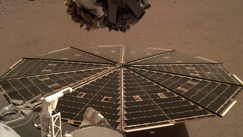 La sonda InSight de la NASA escucha los vientos marcianos