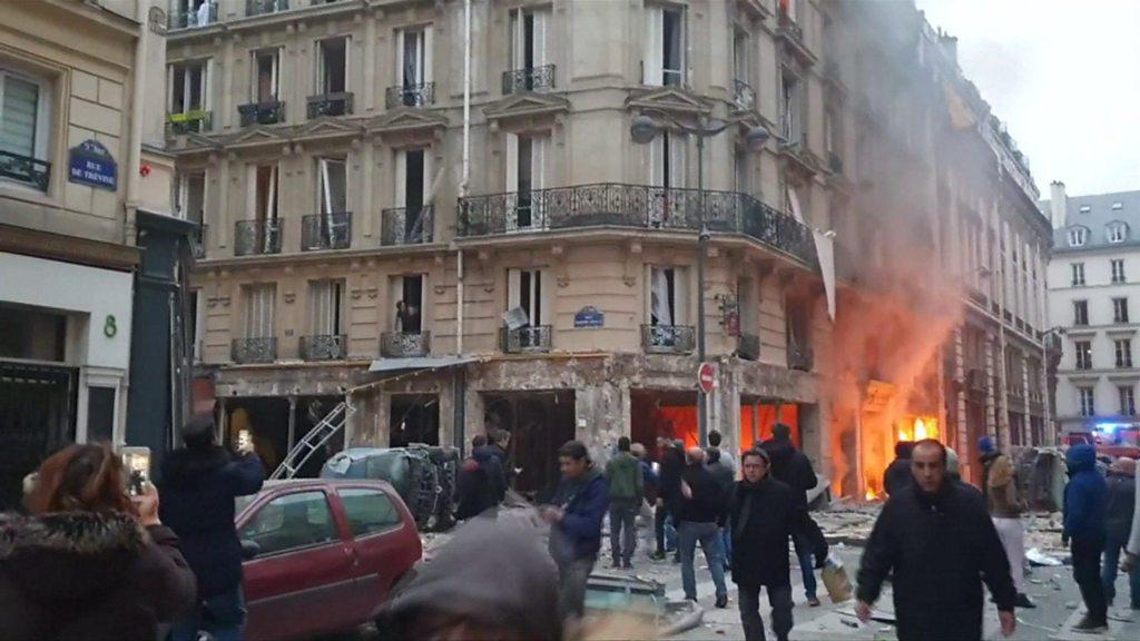 Paris 'gas explosion' kills three in city centre