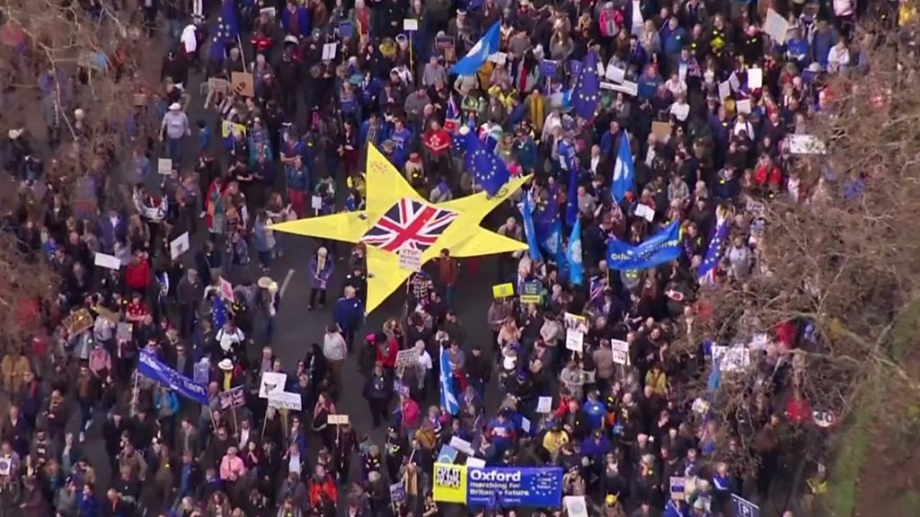 Hundreds of thousands join Brexit protest