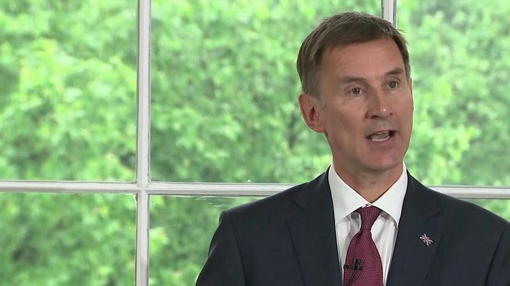 Tory leadership hopefuls vie for spotlight