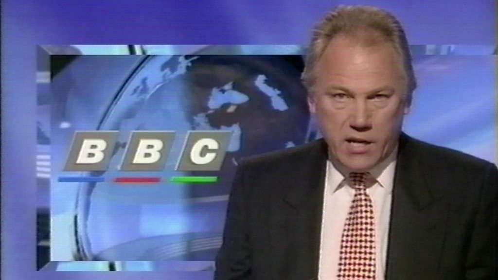Peter Sissons: Former BBC, ITN and Channel 4 newsreader dies at 77