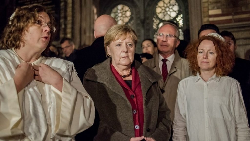 Germany shooting: gunman kills two after attack on synagogue