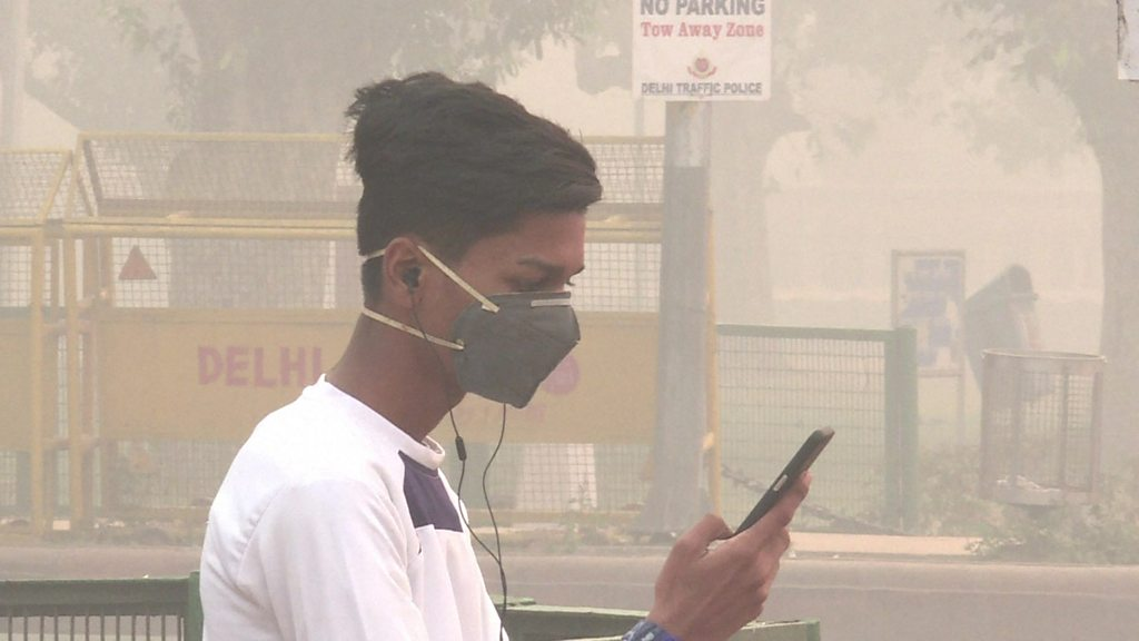 Millions of masks distributed to students in  gas chamber  Delhi