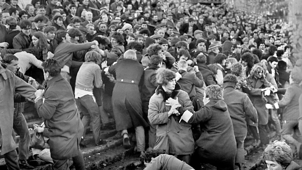 """Rugby and apartheid: 50 years after the """" battle of Swansea"""