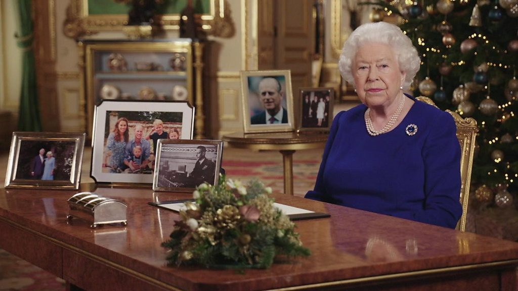 The Queen acknowledges 'bumpy  year for the nation in Christmas message