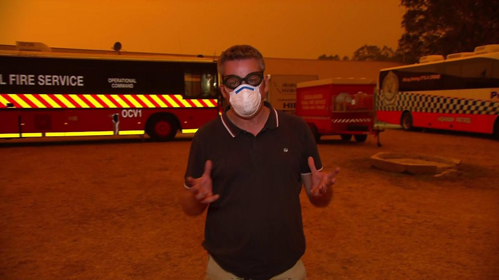 Australia fires: Emergency workers say worst yet to come