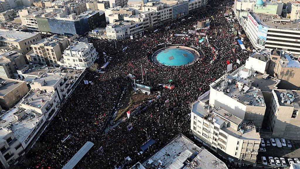 Soleimani: Huge crowds pack of Tehran for the commander s funeral