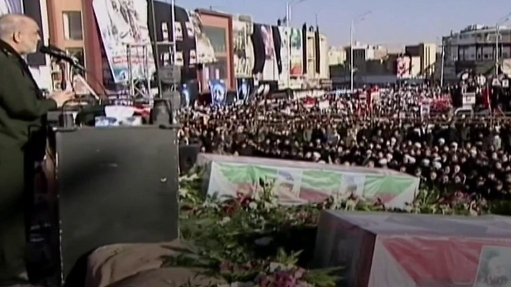 Qasem Soleimani: Stampede kills 50 mourners at burial in Iran